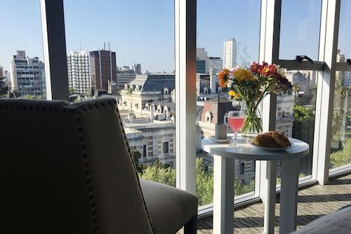 拉普拉塔溫德姆戴斯套房飯店/