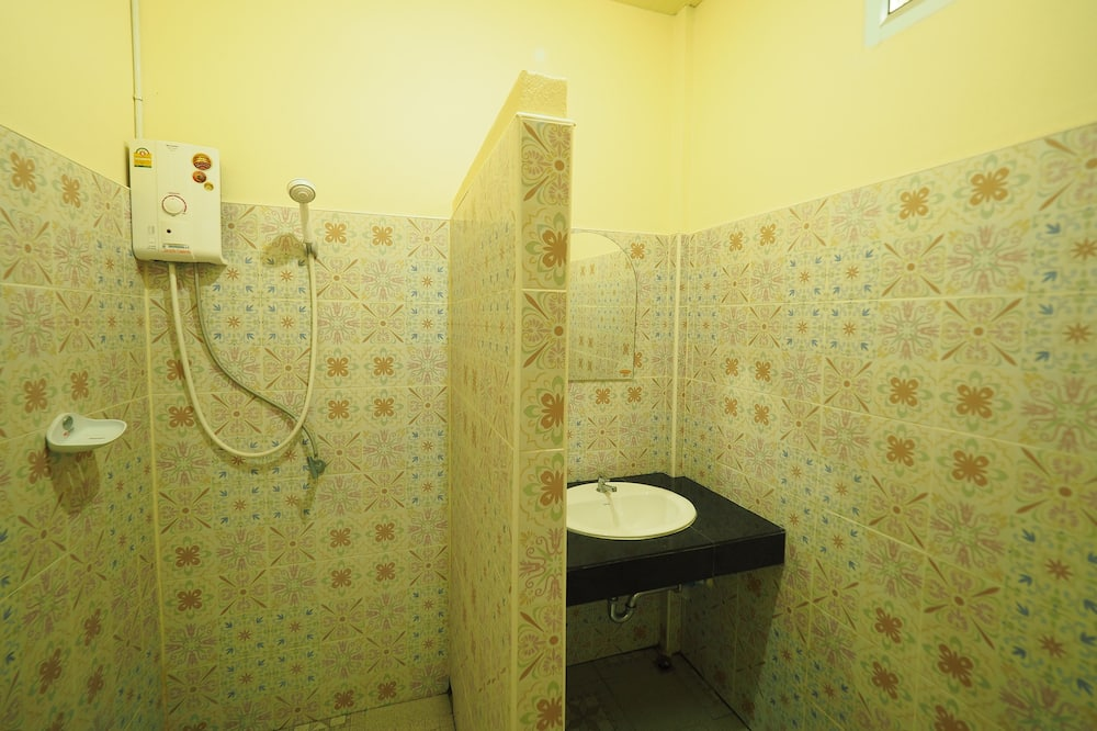 Standard Double Room - Phòng tắm