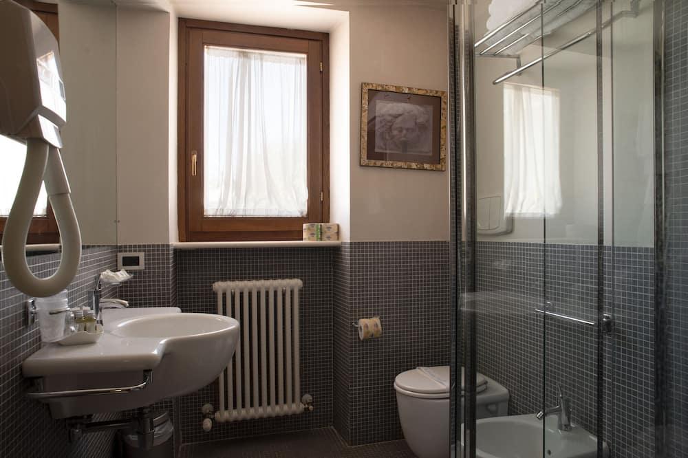 Quarto Triplo Clássico - Casa de banho