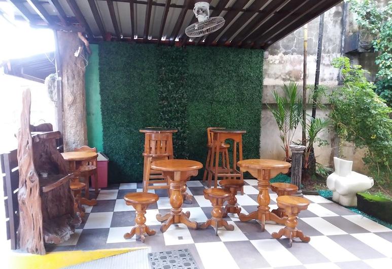 Bee Pension, Surigao, Lobby