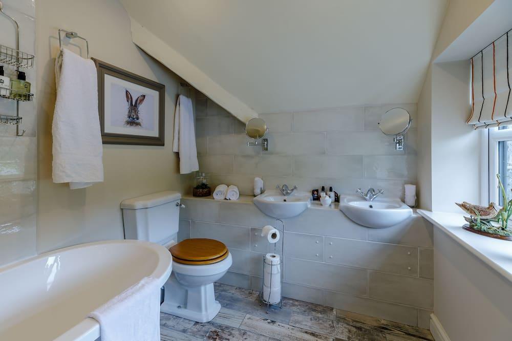 Superior House, Accessible, Ensuite - Bathroom