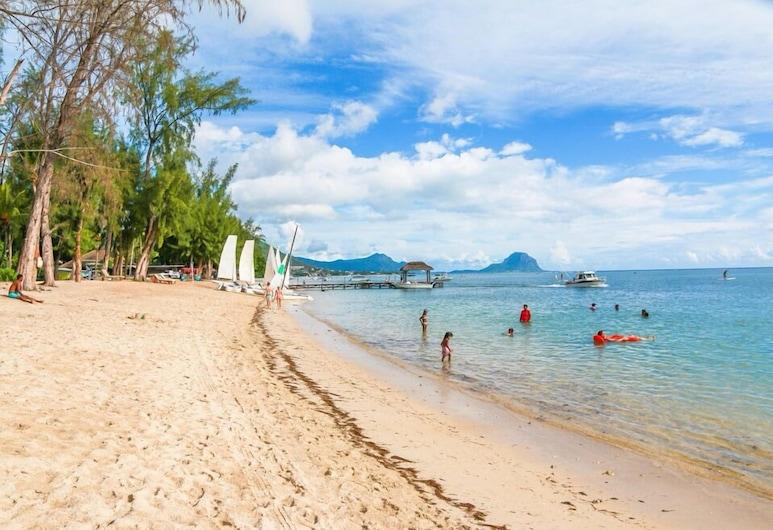 Ayati Hotels, Flic-en-Flac, Beach