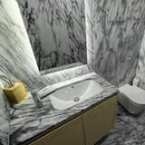 Double or Twin Room, Shared Bathroom (Marques) - Bathroom