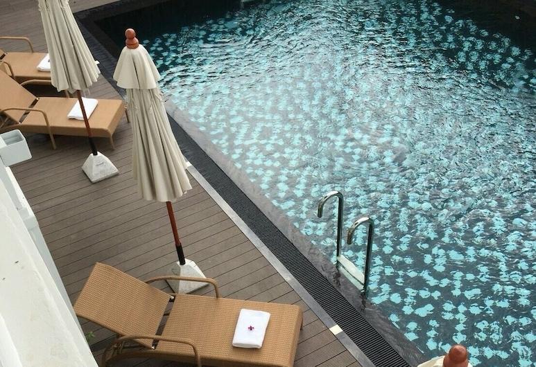NirvaNan House, Nan, Udendørs pool