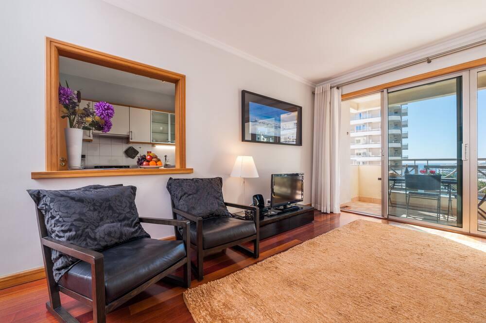 Апартаменты, 1 спальня, балкон, вид на море - Гостиная