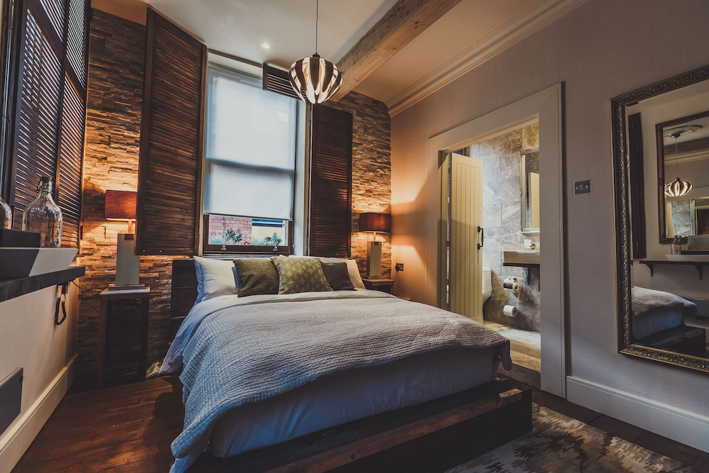 The Cow Hollow Hotel Manchester Guest Room