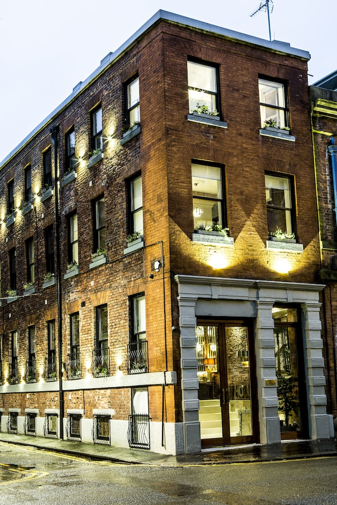 The Cow Hollow Hotel Manchester