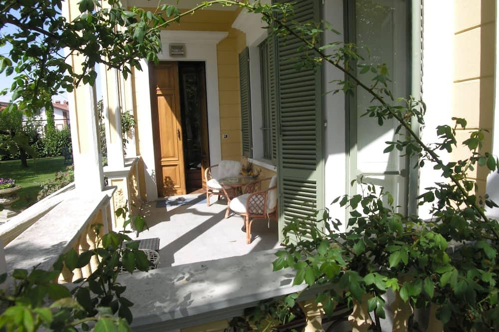 Suite, patio, planta baja - Terraza o patio