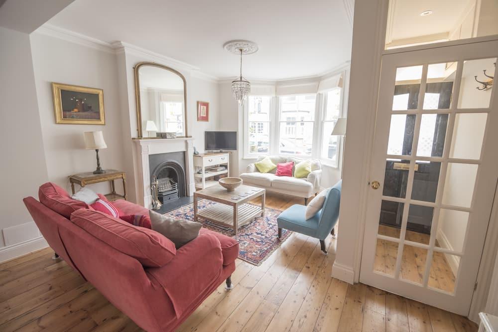 Tradičný dom, 3 spálne - Obývačka