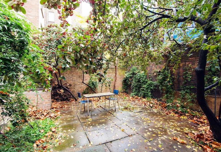 Classic home and garden in Bloomsbury, London, Apartment, 1 Bedroom, Terrace/Patio