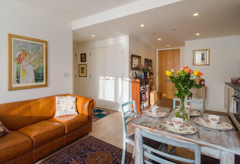 Parisian inspired home near Waterloo, London, Apartment, 1 Bedroom, Living Area