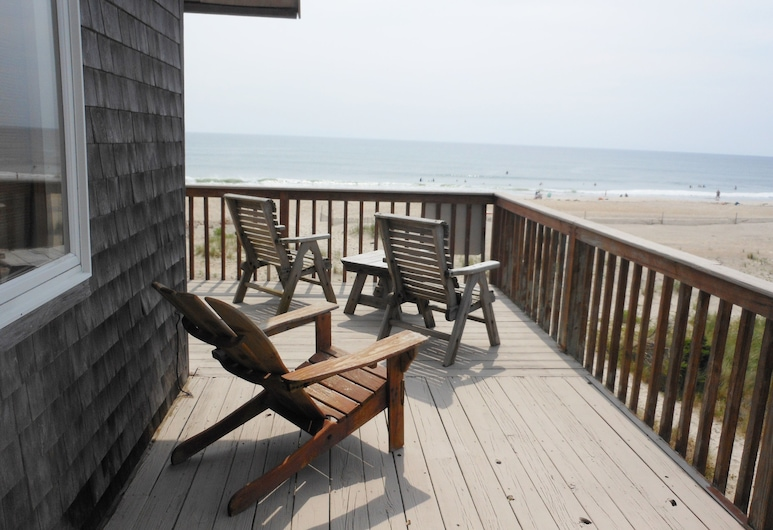 Ocean Front, Outer Banks, dog Friendly 4 BR, 3 1/2 BA 200'from the Beach, Rodanthe, Terasa