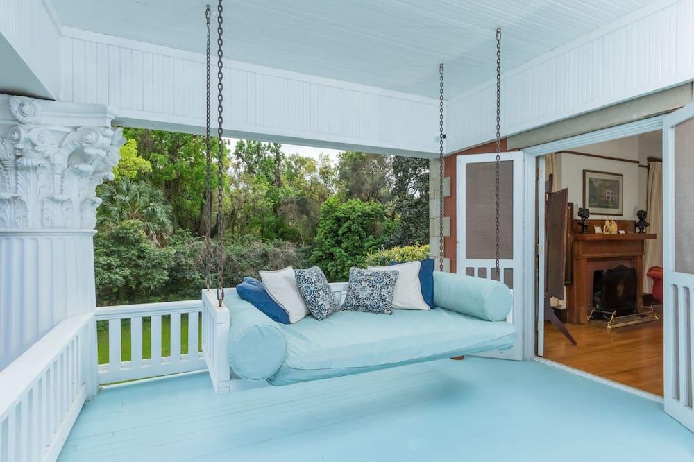 Luxury Triple Room, Ensuite (Herlong Suite) - Living Area