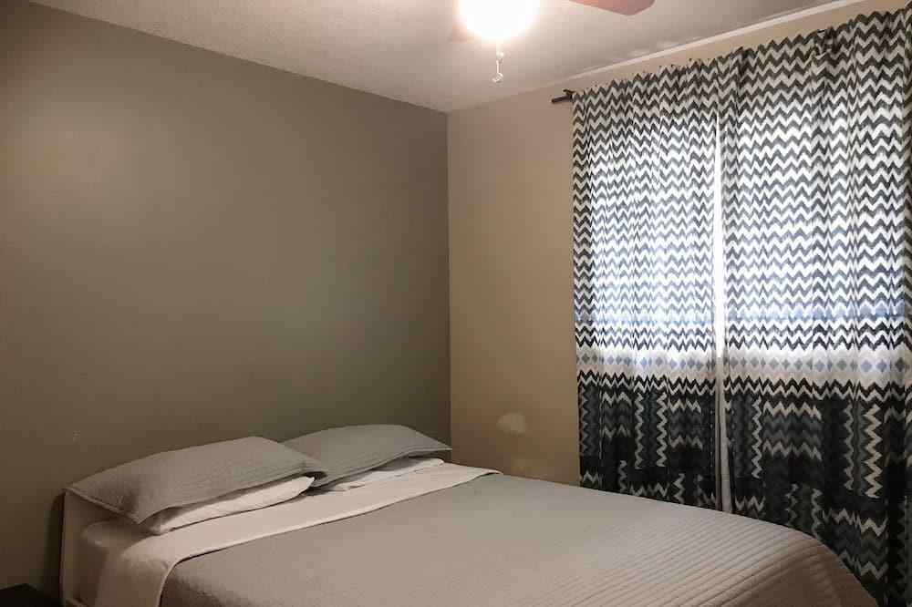 Deluxe Double Room, 1 Bedroom - Guest Room