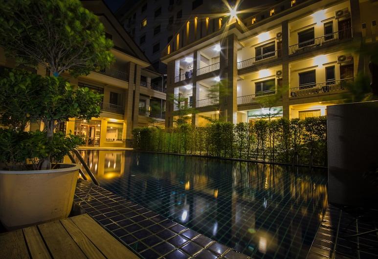 Win Unity Hotel Mandalay, Mandalay, Pool