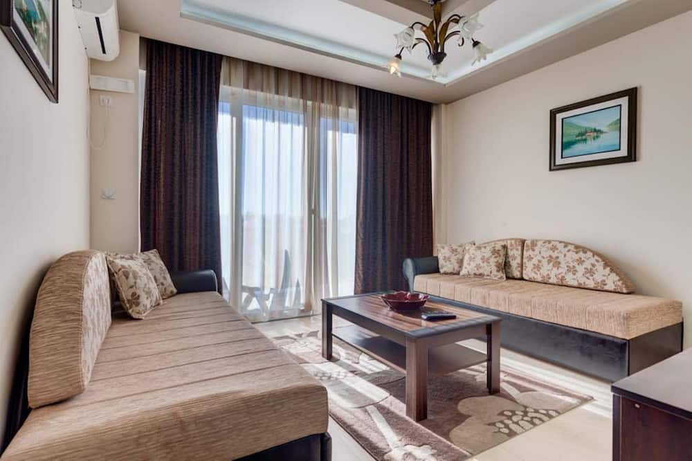 Comfort Apartment, 1 Bedroom, Kitchenette, Annex Building - Living Room