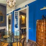 Apartmán typu Deluxe, 2 spálne, kuchyňa, výhľad na mesto - Stravovanie v izbe