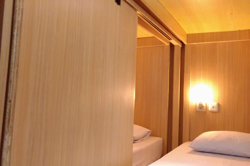 Dormitorio compartido, dormitorio mixto, baño privado - Habitación