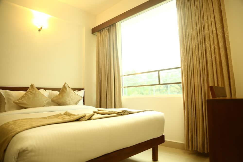 Premium Room, 1 Queen Bed, City View - Guest Room