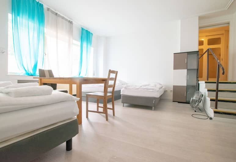 Comfortable Large Center Apartment, Düsseldorf, Appartamento City, 2 camere da letto (incl. final cleaning fee), Camera