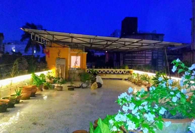 5/4 - Calcutta's freshest BnB, Kalkāta, Terase/iekšējais pagalms