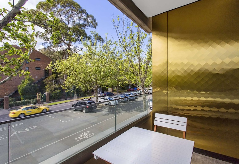Style in the heart of Carlton, Carlton, Apartment, 2 Bedrooms, Balcony