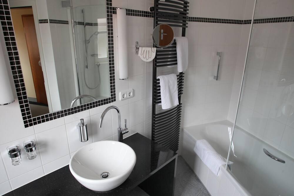Premium Δίκλινο Δωμάτιο για Μονόκλινη Χρήση - Μπάνιο