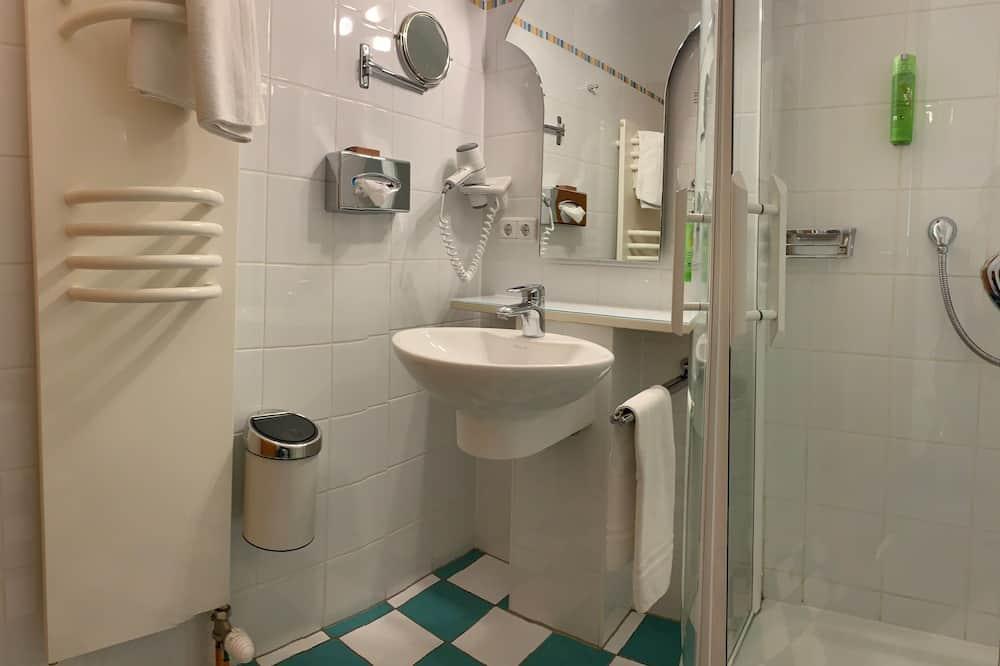 Μονόκλινο Δωμάτιο, Προσαρτημένο Κτήριο - Μπάνιο
