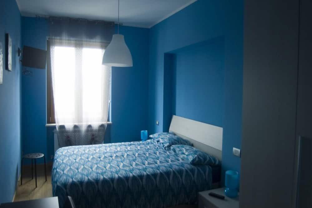 Szoba kétszemélyes ággyal, privát fürdőszoba (External) - Vendégszoba