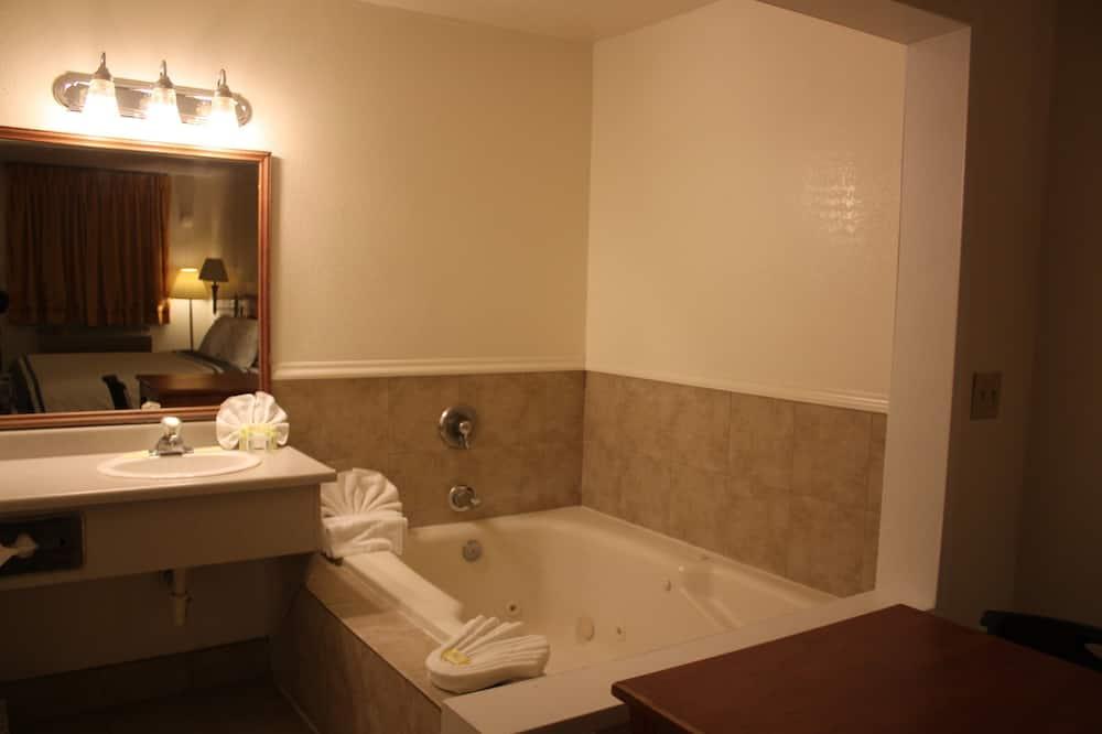 Deluxe Double Room, 1 Katil Raja (King), Jetted Tub - Bilik mandi