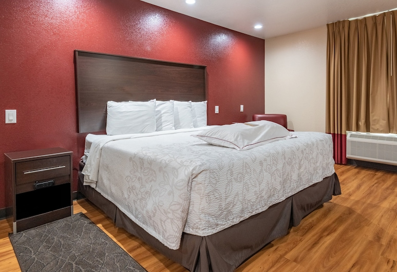Red Roof Inn PLUS+ Fort Worth - Burleson, Burleson