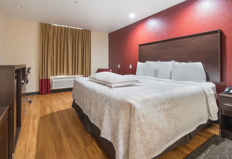 Red Roof Inn PLUS+ Fort Worth - Burleson, Burleson, Chambre Premium, 1 très grand lit, coin cuisine (Smoke Free), Chambre