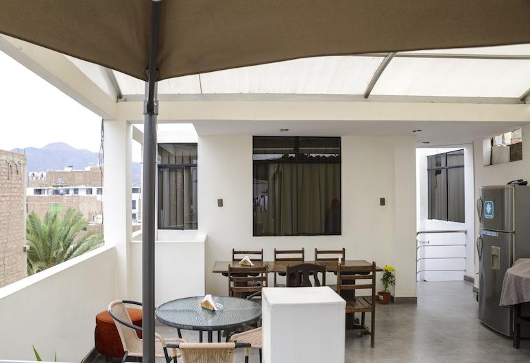 Hospedaje Dunas de Nasca, Nazca, Terrace/Patio