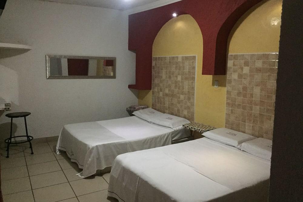 Standard - kahden hengen huone, 2 parisänkyä - Pääkuva