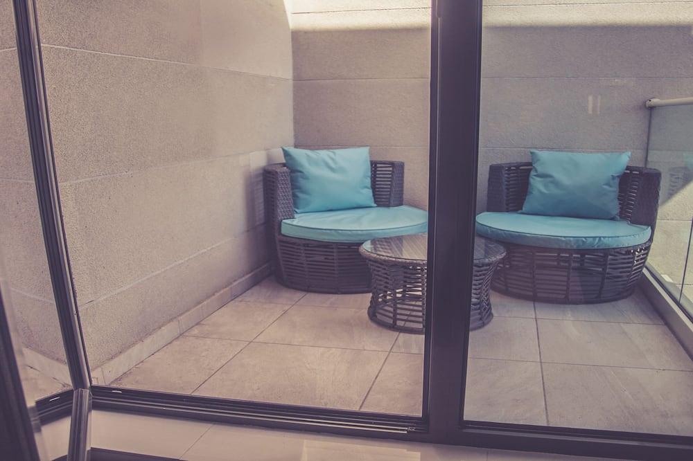 Deluxe Stüdyo, 1 Yatak Odası, Plaj Manzaralı, Plaj Kenarı - Balkon