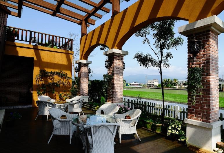 Sunday Home, Sanxing, Taras/patio