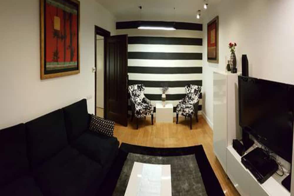 Апартаменти «Делюкс», 2 спальні, кухня, з видом на місто - Житлова площа