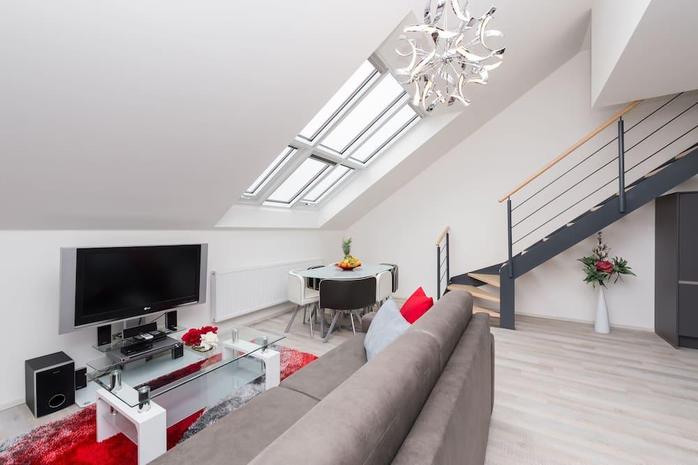 Exclusive Duplex, 2 Bedrooms, Non Smoking, Kitchen - Living Area