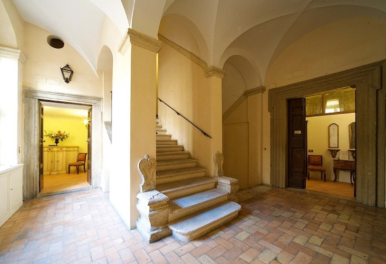 Residenza Sinibaldi, Rome