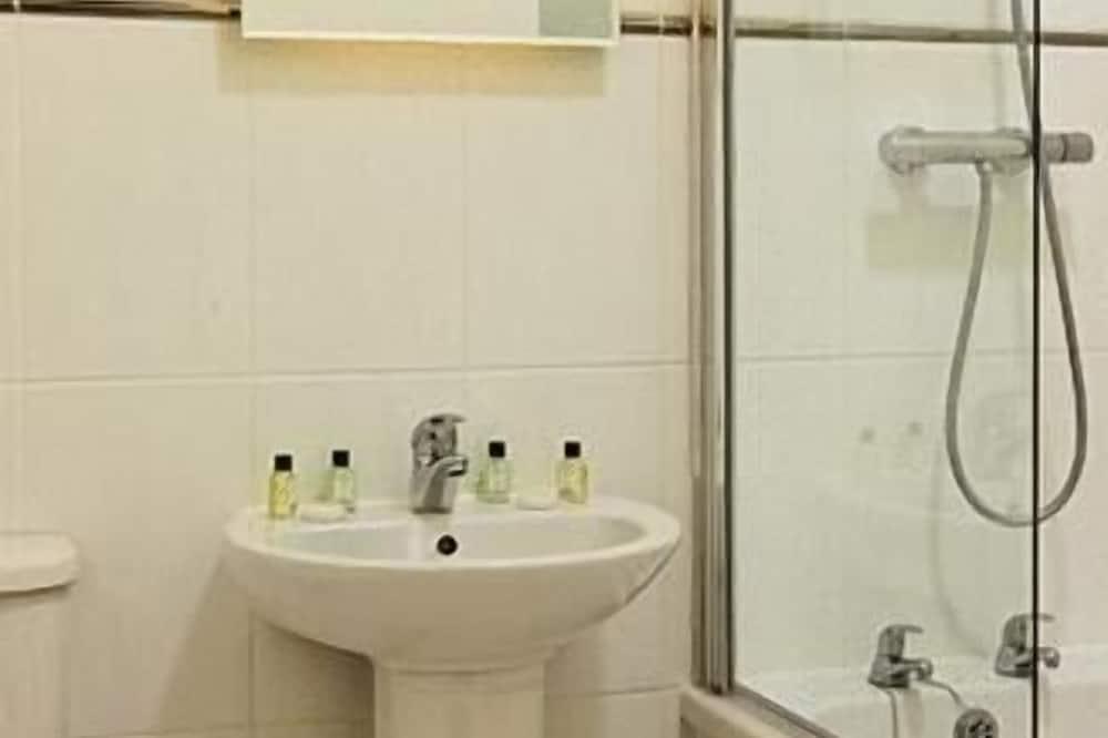 Basic Suite, 1 Bedroom - Bathroom