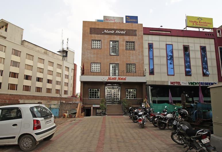 OYO 5539 Merit Hotel, Agra