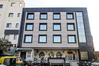 Picture of OYO 8095 ARB Suites in Agra