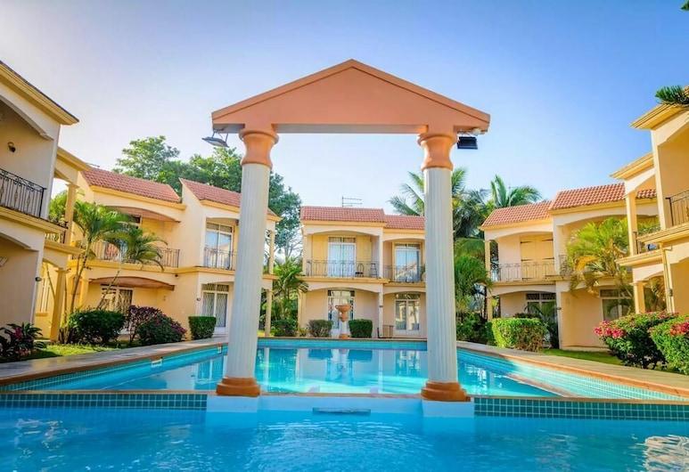 蒙喬希住宅酒店, 蒙舒瓦西, 室外泳池