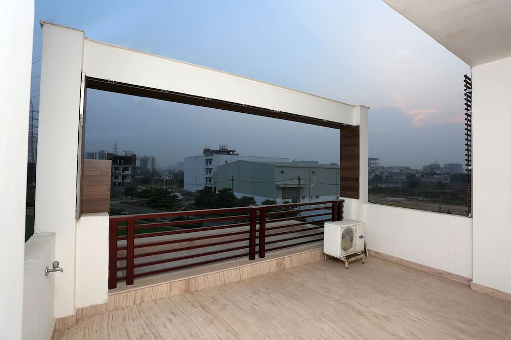 Double or Twin Room - Balcony