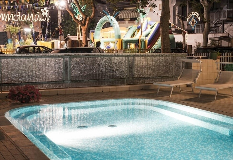 Hotel Milano, Cesenatico, Outdoor Pool