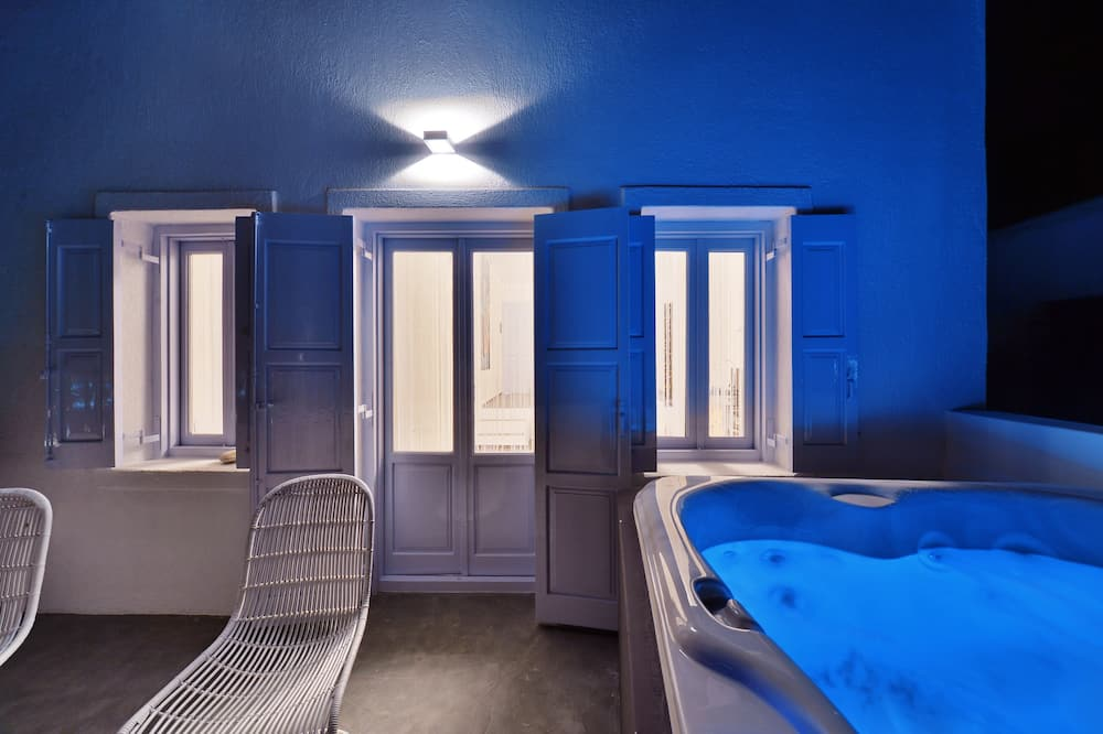 Luxury Suite, Jetted Tub, Sea View - Outdoor Spa Tub