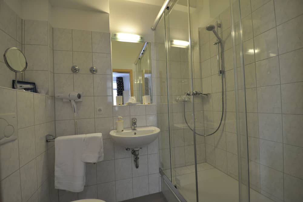 Business - kahden hengen huone, Piha-alue - Kylpyhuone