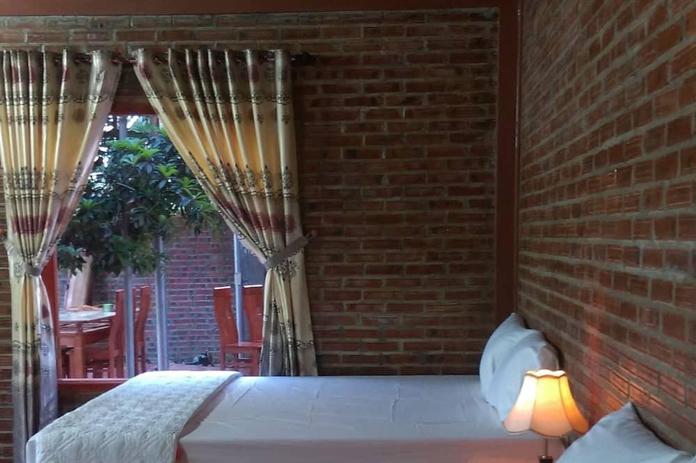 Family Bungalow, 1 Bedroom, Patio, Garden View - Guest Room View