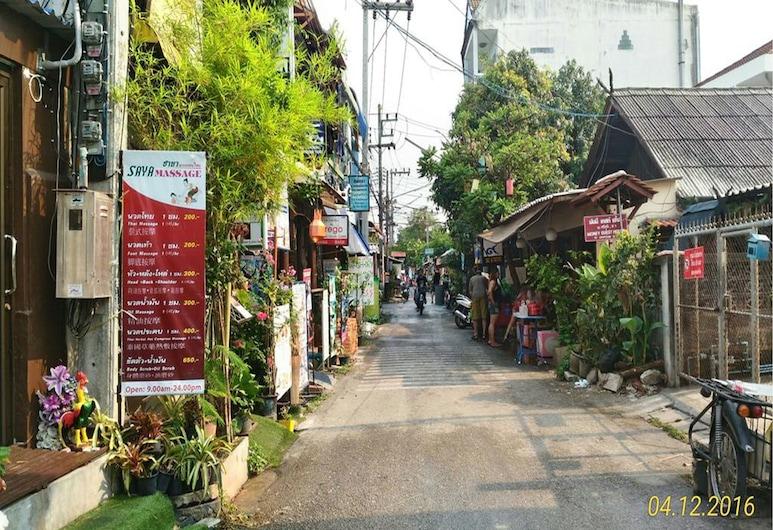 You and Me Hostel, Chiang Mai, Wejście do hotelu