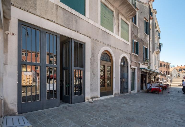 亞齊 2 號旅館, 威尼斯, 住宿入口